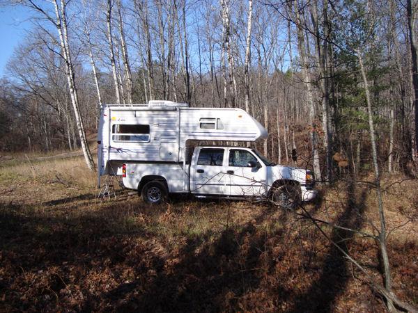 02 Sunlite 865 Truck Camper RV For Sale